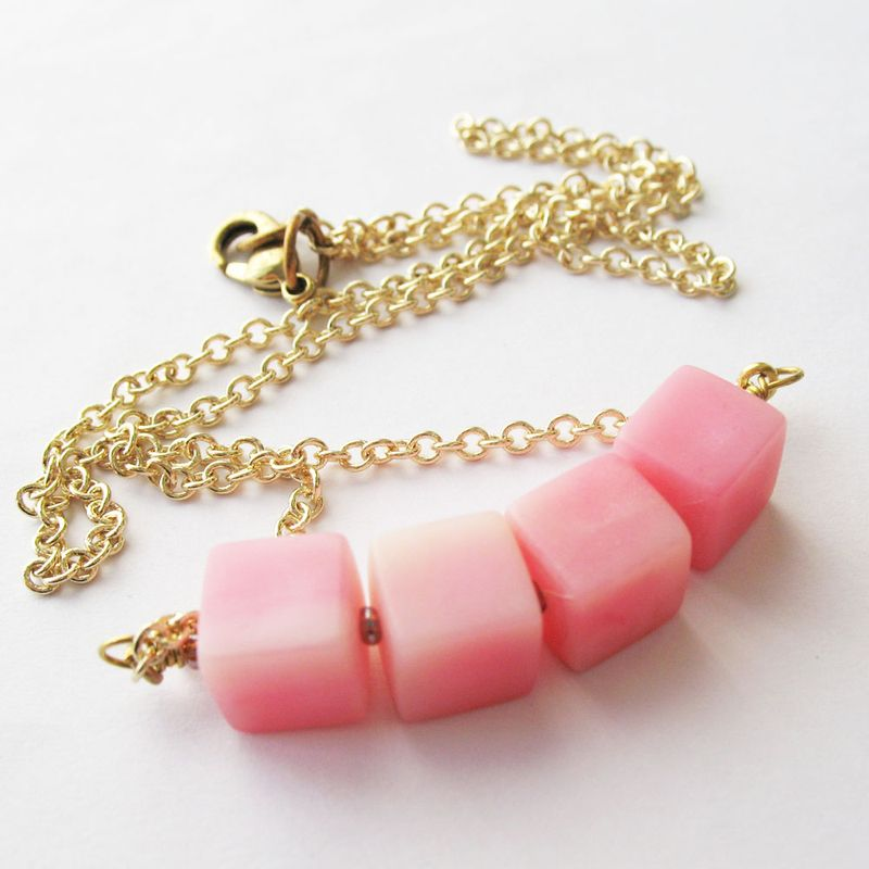 Pink_cube_necklace_5