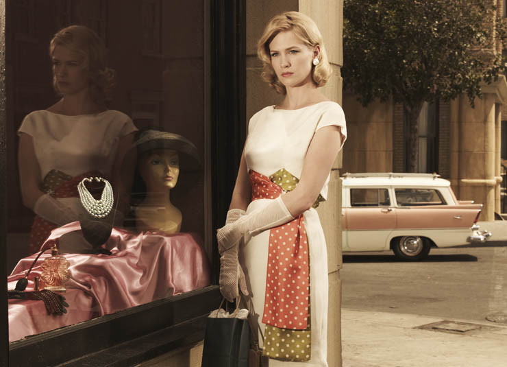 Pearls-mad-men-betty
